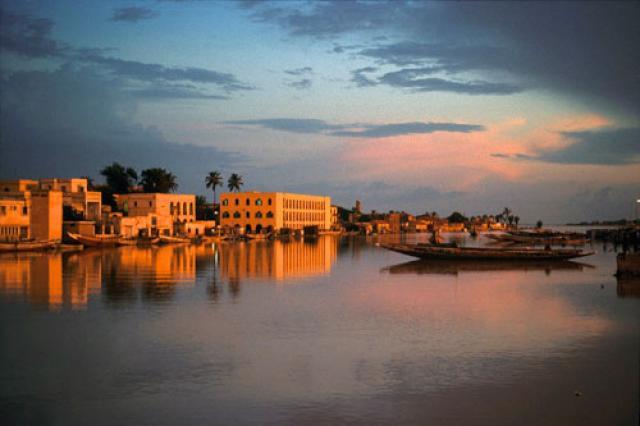 Minibus & Voiture au Sénégal